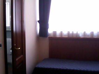 camera doppia uso singola, bagno privato, wiless e prima colazione a pochi passi dalla stazione Termini