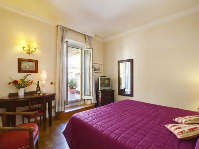 PREZZO SPECIALE! Hotel Cinquantatré: Camera Doppia con colazione, bagno privato e collegamento internet WI-FI GRATIS!!!